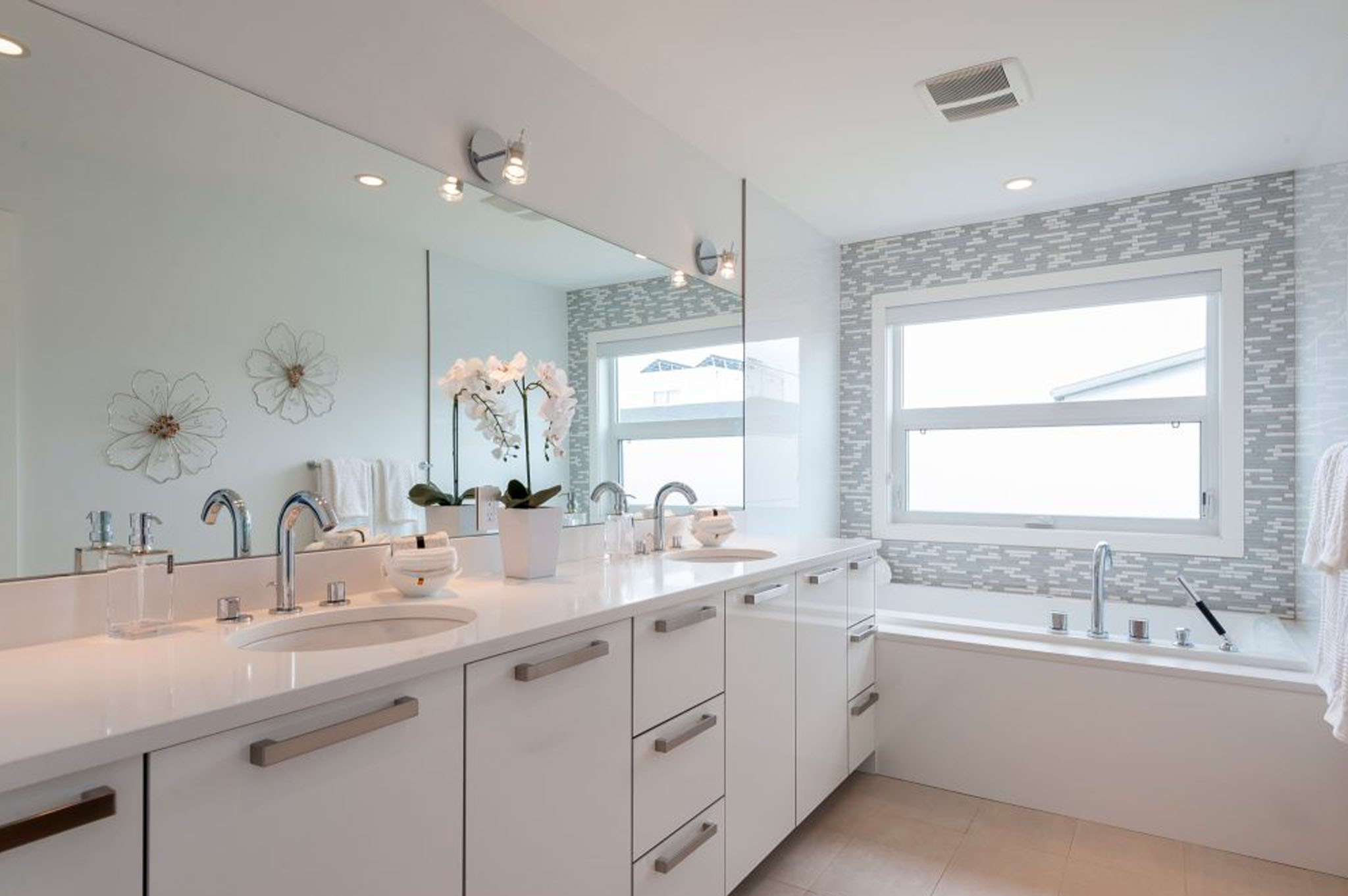 Crash Course in Bathroom Faucet Finishes - Let\'s Get Decorating